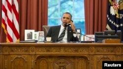 Барак Обама разговаривает с Хасаном Рухани
