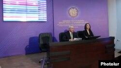 Կենտրոնական ընտրական հանձնաժողովի նախագահ Տիգրան Սարգսյանը հրապարակում է ընտրությունների արդյունքներ, արխիվ