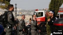 Forcat e sigurisë së Izraelit në vendin e sulmit të sotëm me kamion në Jerusalem