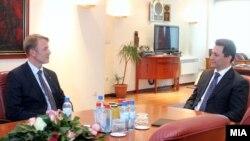 Средба на премиерот Никола Груевски со евроамбасадорот Аиво Орав , 13 март 2012.