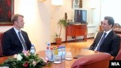 Средба на премиерот Никола Груевски со евроамбасадорот Аиво Орав на 13 март 2012 година.