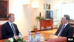 Средба на премиерот Никола Груевски со евроамбасадорот Аиво Орав