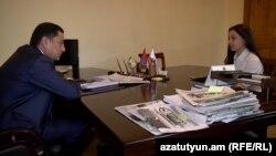 Руководитель парламентской фракции правящей Республиканской партии Армении Ваграм Багдасарян дает интервью корреспонденту Радио Азатутюн, 17 февраля 2016 г.