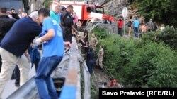Podgorica: Teška saobraćajna nesreća, poginulo 18 osoba