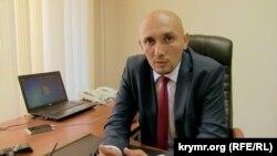 Teyfuk Gafarov, Aqmescit meri muavini