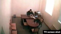 ელშად აბდულაევი და სევინჯ ბაბაევა ფარულ ვიდეოჩანაწერზე