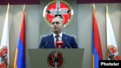 Armenia - Armen Ashotian, a deputy chairman of the ruling Republican Party of Armenia, holds a news conference in Yerevan, 13Jul2016.