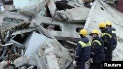 Pamje pas një eksplodimi të mëparshëm në një minerë në Rusi