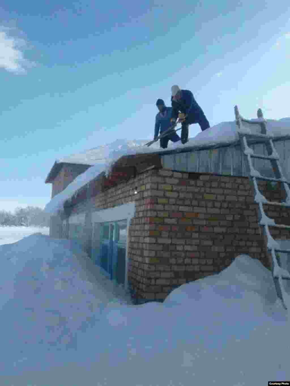 Kyrgyzstan. Chatkal. snow. February 2017