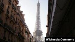 Париждегі Эйфель мұнарасының көрінісі. (Көрнекі сурет)