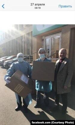 Заливатский привез маски в больницы