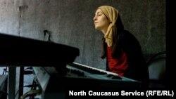 Хава: Если музыканты хотят играть рок, их никто не поддержит в Чечне