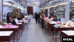 Бизнисмените велат дека намалувањето на доноците особено е позитивно за малите компании.