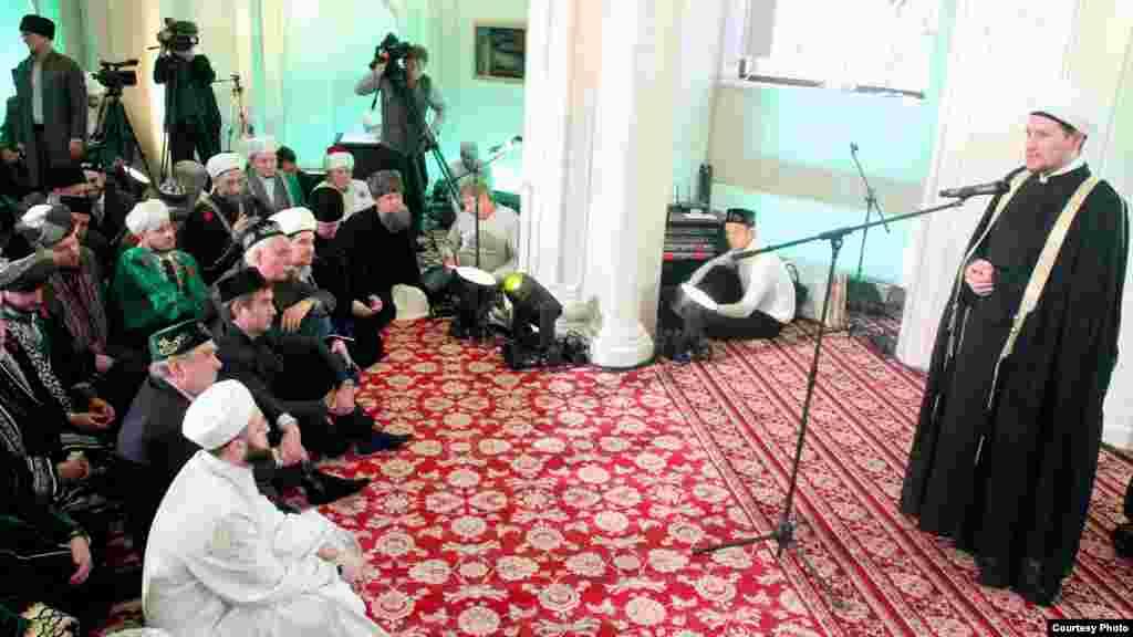 Русия мөфтиләр шурасы рәисе урынбасары Дамир Мөхетдинов