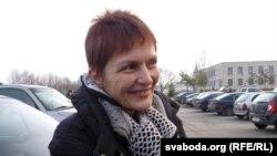 Марына Адамовіч каля шклоўскай калёніі