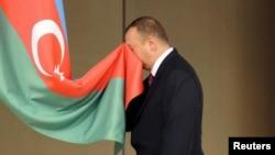 Aliev la depunerea jurămîntului de președinte la Baku în 2008