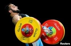 Рио олимпиадасы чемпионы, қазақстандық ауыр атлет Нижат Рахимов. Бразилия, Рио-де-Жанейро, 10 тамыз 2016 жыл.