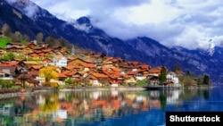 Городок Интерлакен в Швейцарских Альпах