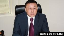 """Директор КГП """"Метрополитен"""" Кыдрал Бегасильев во время онлайн-конференции в алматинском бюро Азаттыка. 10 января 2013 года."""