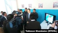 Оптика-волокондук магистралдын ачылышына премьер-министр Жоомарт Оторбаев катышты