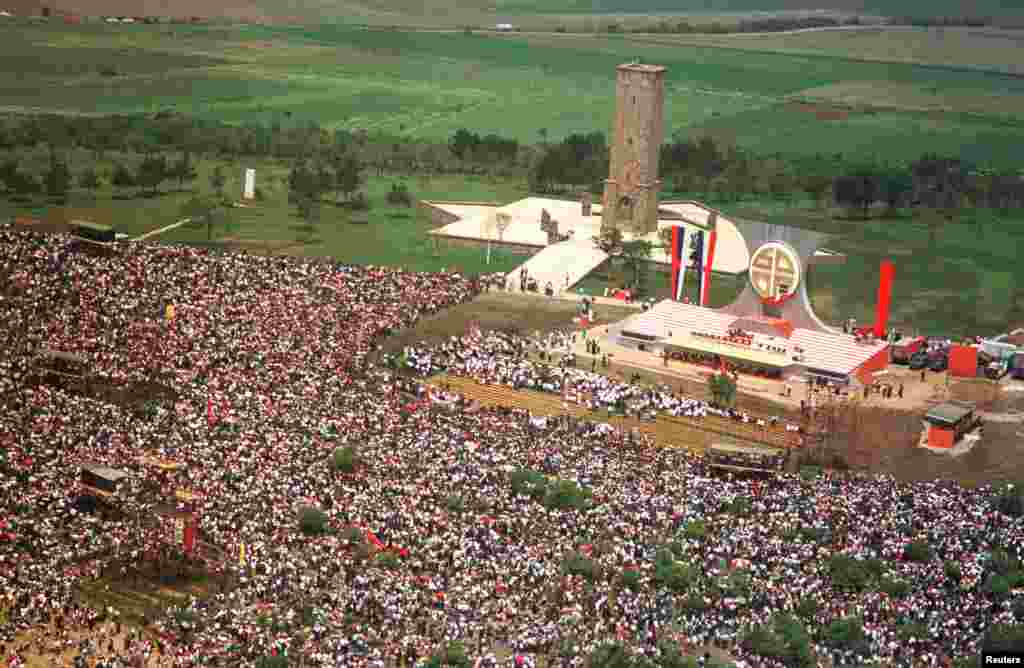 Më 28 qershor, 1989, presidenti i Serbisë, Sllobodan Millosheviq, tha në Gazimestan se betejat e armatosura nuk përjashtohen dhe ky fjalim u interpretua si paralajmërim për luftë.