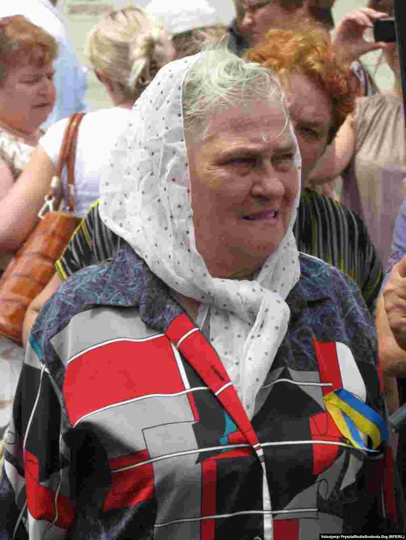 В акції за українську мову брали участь люди різного віку.