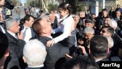 İlham Əliyev Lənkəran sakinləri ilə görüşür - 14 aprel 2011