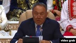 Қазақстан президенті Нұрсұлтан Назарбаев Қазақстан халқы ассамблеясы сессиясында. Астана, 26 сәуір 2016 жыл.