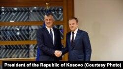 Predsednik Kosova HashimThaçi sa predsjednikom Evropskog saveta Donaldom Tuskom u Briselu, 8. februara 2017.