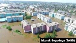 Иркутская область. Вид на подтопленные районы города
