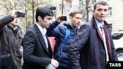 Lukoil vitse-prezidentinin oğlu Ruslan Shamsuarov (soldan ikinci),