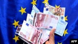 Euri i zastava EU, ilustrativna fotografija
