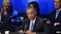 """U.S. President Barack Obama (center) chaired a """"Leader's Summit on Countering [Islamic State] and Violent Extremism"""" at UN headquarters, in New York on September 29."""