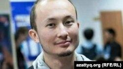 Әділ Нұрмақов ZhasCamp 2012 конференциясында. Алматы, 13 қазан. 2012 жыл.