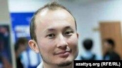 Один из организаторов проекта и тренер Адиль Нурмаков. Алматы, 13 октября 2012 года.