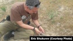"""""""Алейне плюс"""" экологиялык кыймылынын төрагасы Эрик Шүкүров."""
