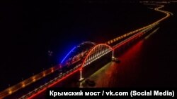мостот до Крим