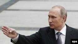 Президент России Владимир Путин во время «прямой линии». Москва, 14 апреля 2016 года.