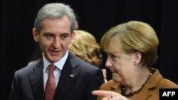 Канцлер Германии Ангела Меркель (справа) и премьер-министр Молдовы Юрий Лянкэ на саммите Восточного партнерства. Вильнюс, 29 ноября 2013 года.