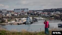 Sevastopolj, pogled na luku sa ruskom mornaricom, 12. mart 2016.