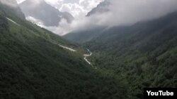Горы в Карачаево-Черкесии (архивное фото)