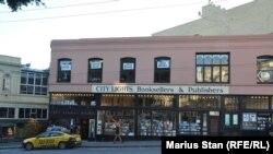 City Lights & Ferlinghetti o librărie și o editură la un centenar