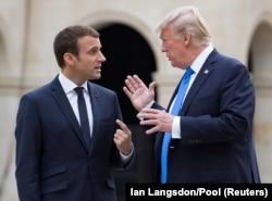 Президенты Франции и США Эммануэль Макрон и Дональд Трамп на переговорах в Париже, 13 июля 2017