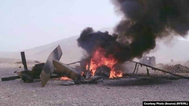 Az afgán légierő Black Hawk helikoptere először találatot kapott, majd kényszerleszállást hajtott végre Helmand tartományban, 2020. július 27-én.