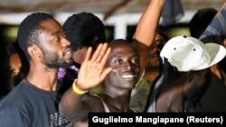Migranti i izbeglice spasene sa španskog broda Open Arms izlaze na Lampeduzu