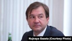 У Дмитрия Серикова была репутация министра чрезвычайно трудно расстающегося с бюджетными средствами. Он производил впечатление человека умного, но чуждого окружению