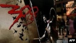 Hollivudun istehsal etdiyi «300» filmi ilk həftədə 70 milyon tamaşaçı toplayıb