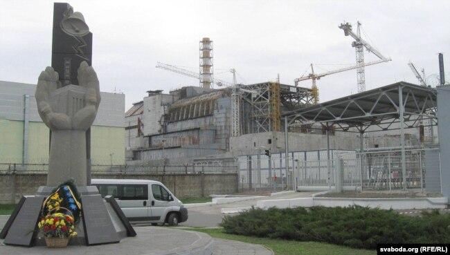 Четвертый блок ЧАЭС до возведения над ним нынешнего современного саркофага