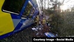 На месте столкновения двух поездов в Германии. 9 февраля 2016 года.
