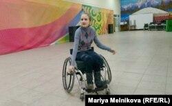Анна Фролова в танцевальном зале. Уральск, 4 ноября 2019 года.